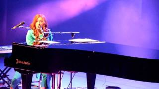 Tori Amos - Twinkle ~ Nautical Twilight [Amsterdam Carré]. 17th of October 2011.