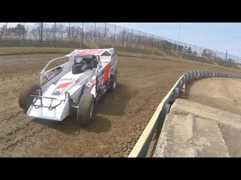 Crate modifieds practice at New Egypt Speedway