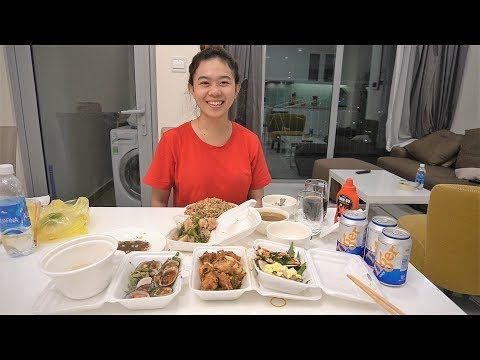 Eating Vietnamese DRINKING STREET SEAFOOD