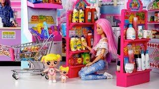 LOL Bebe  Goldie se PIERDE en el Supermercado! Jugando con Juguetes de Titi