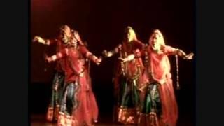 Gangaur Ghoomar Dance Academy -Dhola ji Dhola .wmv