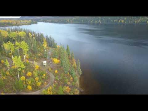 Oona Lake in British Columbia - aus der Luft / von oben
