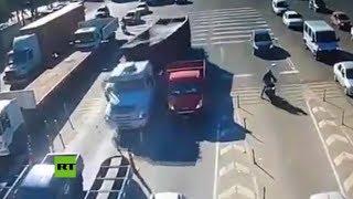Brutal choque de camión sin frenos en un peaje de Argentina