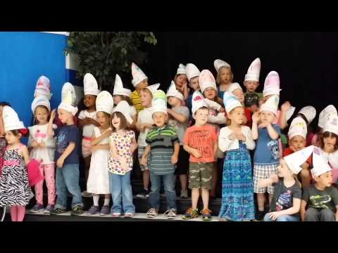 Joshua and the kindergarten production Im a fish