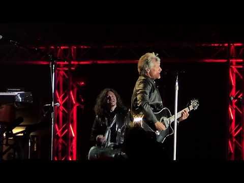 Bon Jovi - We weren´t born to follow, Chile 2017.