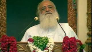 Asaram Ji Bapu- Om Namo Bhagwate Vasudevaya {Dhyan}