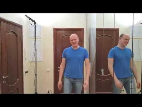 Шкаф встроенный с зеркальными распашными дверьми