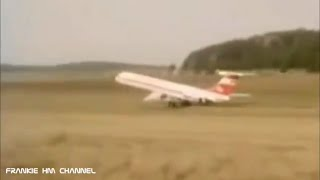 Epic grass runway landing | Airplanes landing on unpaved runway