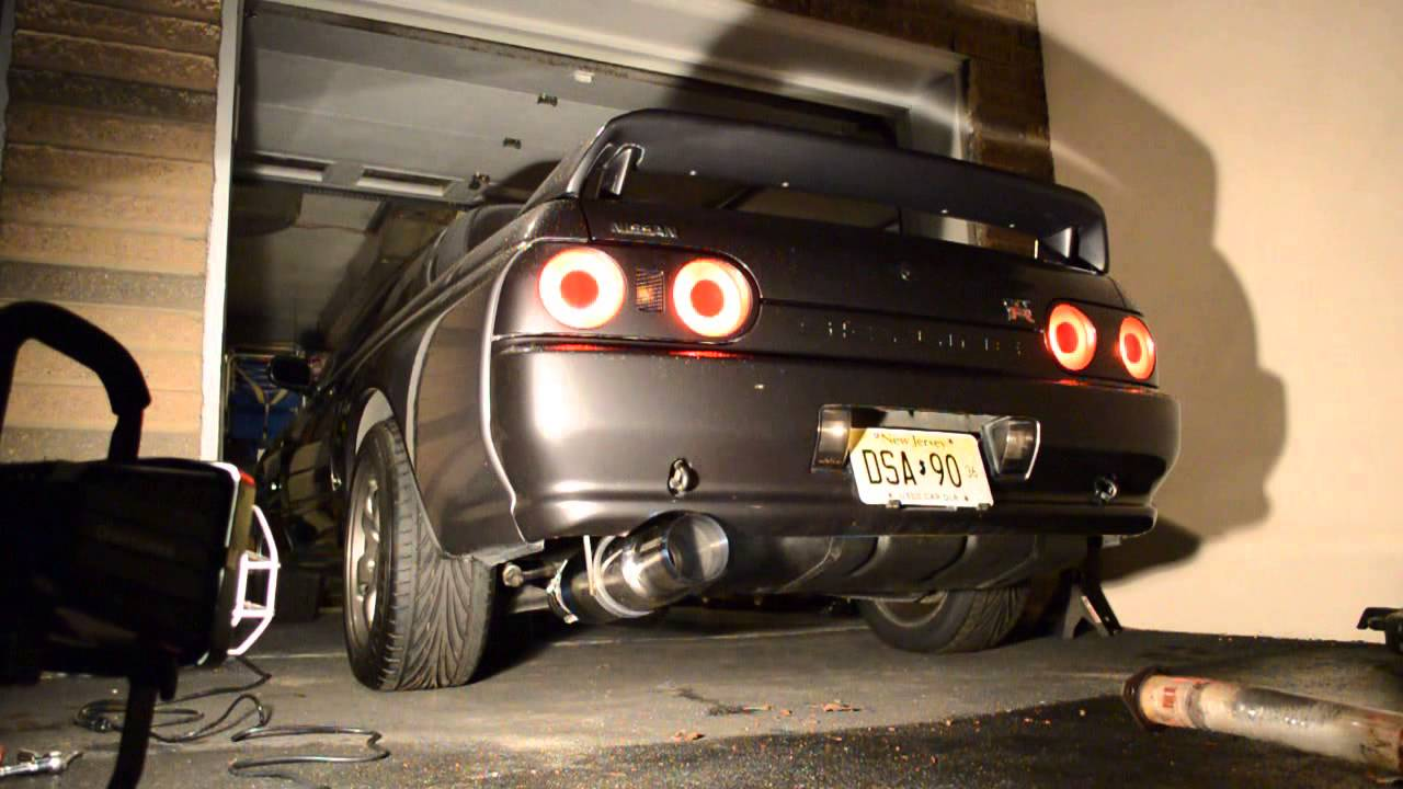 R32 GTR Tomei Expreme vs Stock Exhaust