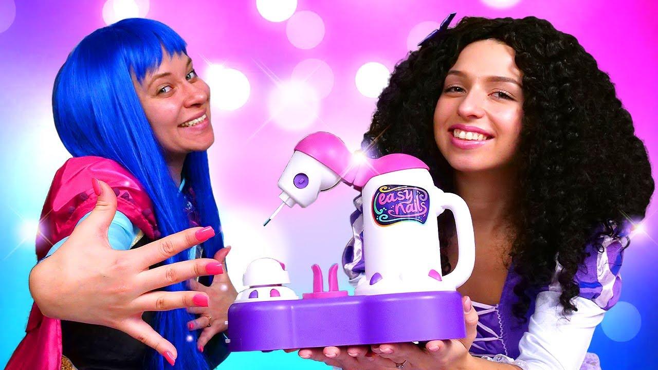 Video e giochi divertenti. Le principesse colorano le unghie. Nuovi episodi in italiano