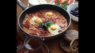 #турецкаяеда Готовим турецкий завтрак- менемен.Яйца с овощами. Menemen tarifi