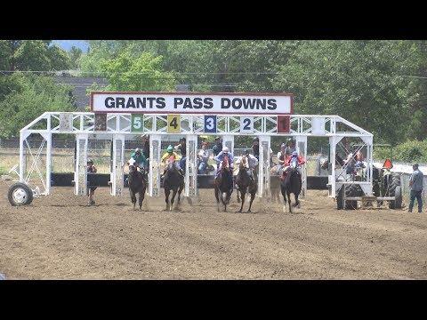 Live Horse Racing Returns To Grants Pass