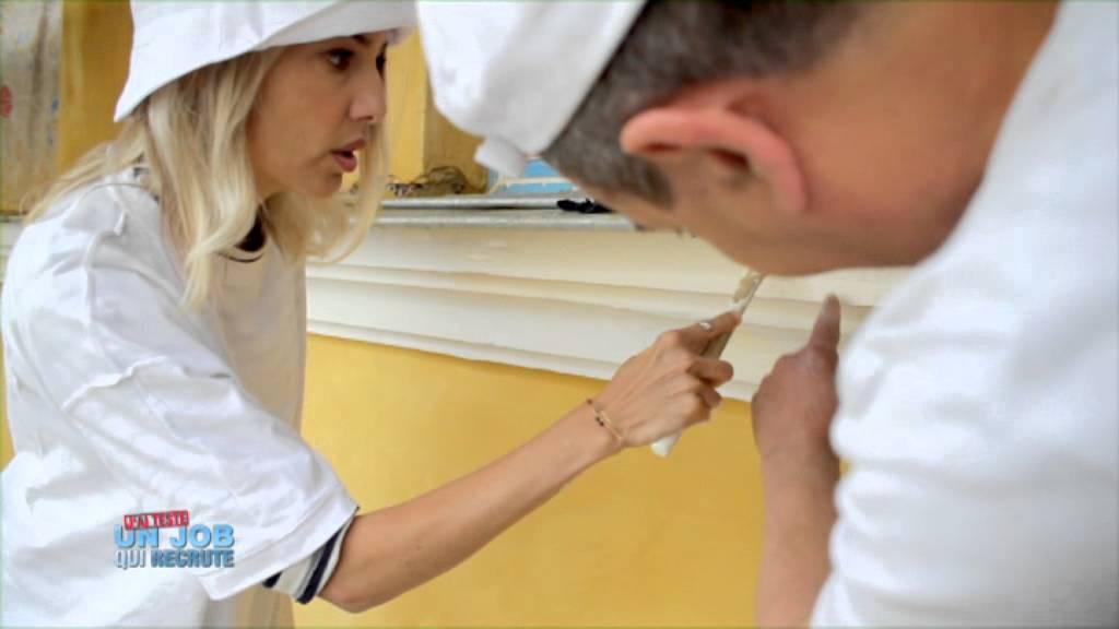 Sidonie bonnec teste le m tier de peintre en b timent youtube for Peintre en batiment