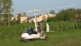 Wiatrakowiec cz I. Starty, loty i lądowania na nowym lotnisku - Siedlce, 8.05.2010r..