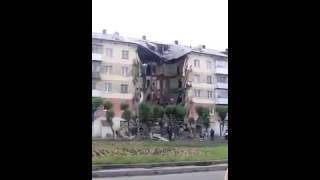 Первое видео с места обрушения подъезда жилого дома в Междуреченске 31 05 2016(, 2016-05-31T14:52:50.000Z)