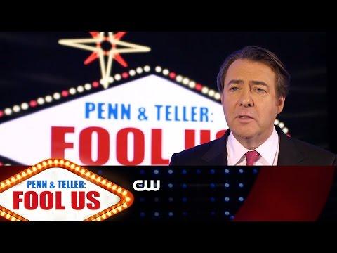 Penn & Teller: Fool Us | Jonathan Ross Interview | The CW