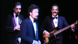 Les Luthiers, Serenata Tímida, Humor Dulce Hogar