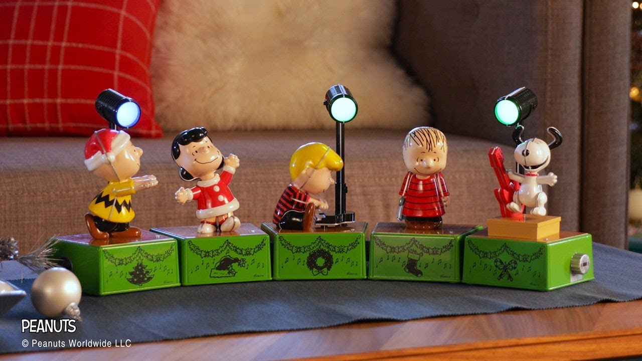 happiness is a peanuts holiday dance - Peanuts Christmas Dance
