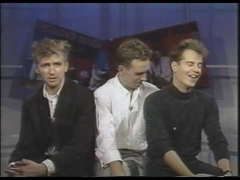 Crowded House @ W.T.B.S. 1987 (uncut interview) - Pt. 1