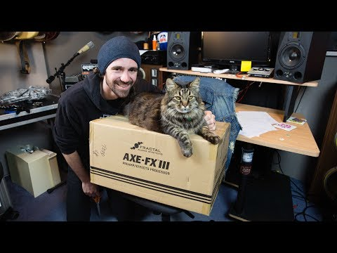 Axe Fx III Unboxing & First Impressions (with My Cat)