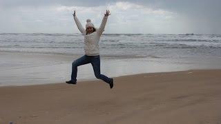Израиль 2015 - пляж Ашдода в январе(Погода в Израиле в январе. Прогулка по пляжу в Ашдоде в январе 2015 ✓ Алексей Зимин сайт ▻ http://www.alexzimin.com ✓..., 2015-01-08T23:22:19.000Z)