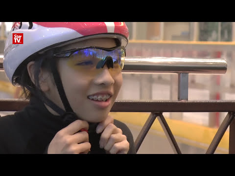 Teen speed ice skater in Malaysia Book of Records