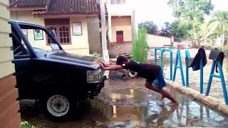 Trik Mendorong mobil Sendirian