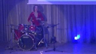 Девушка играет на барабанах (соло)/факультет ИФСК СумГУ/Золотой интеграл-2016