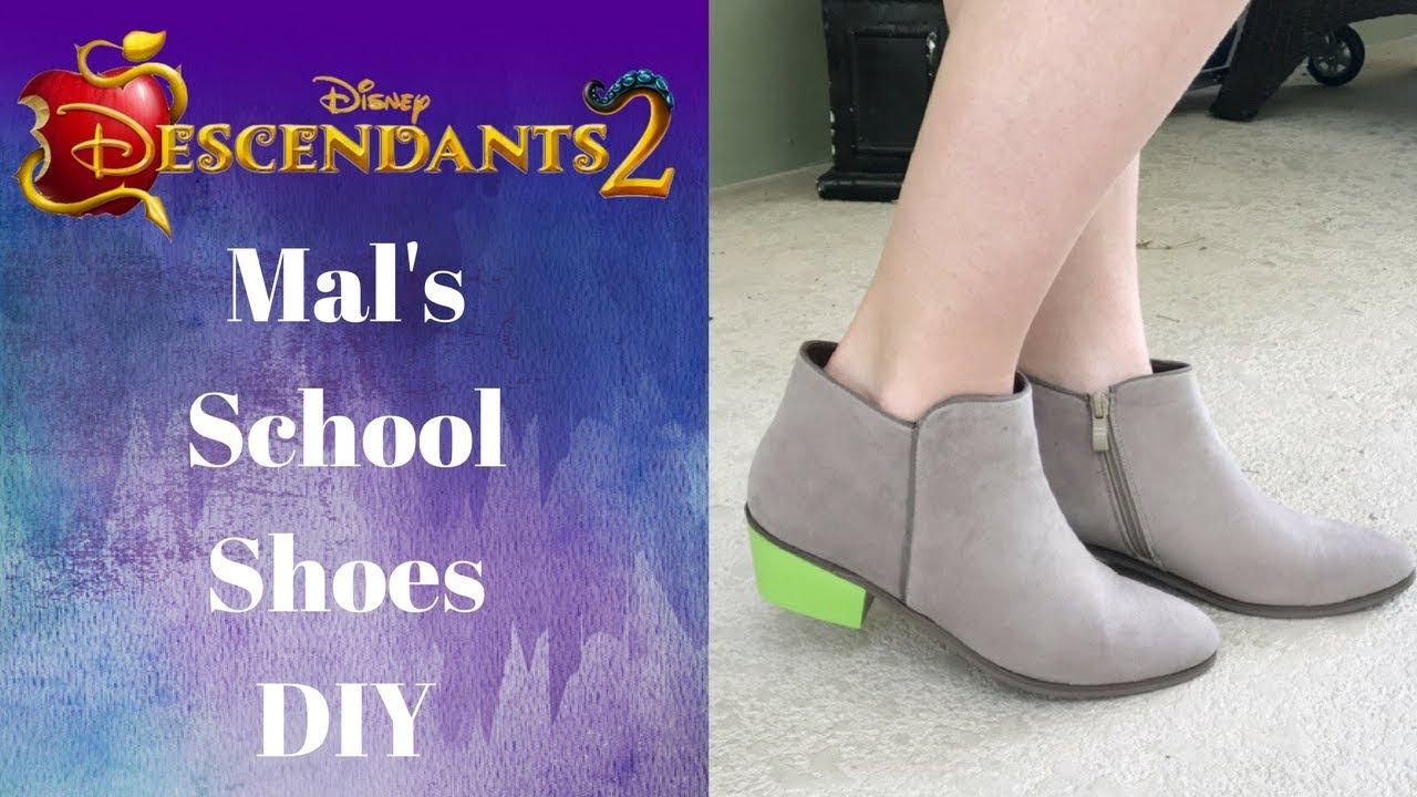Descendants 2 DIY: Mal's School Shoes