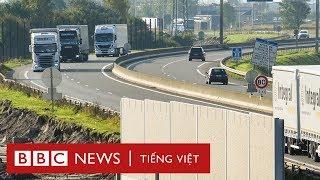 Câu chuyện đằng sau 'tấm vé xe tải' vào Anh - BBC News Tiếng Việt