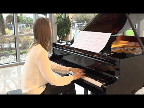 Anna Sutyagina plays Christmas Tree by Guy Bacos