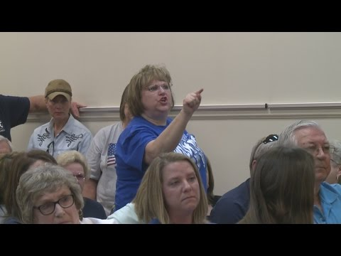 Knox County School Board votes not to renew Superintendent