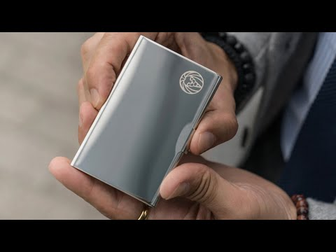 Silver-Toned Steel Card Holder | Lucleon By Trendhim