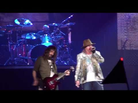 Guns N' Roses - 'I.R.S.' - live in Barcelona - 10/23/2010