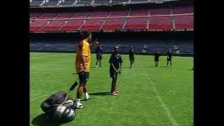 FC BARCELONA - RONALDINHO SOCCER LESSONS (1/4)