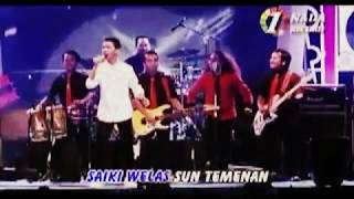 Gemantung Roso by Wandra - Live at Bali -