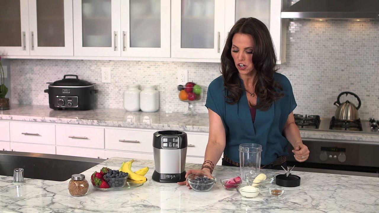 Rachel Beller and Ninja® Kitchen - Very Berry Smoothie Recipe using Nutri  Ninja® with Auto-iQ™