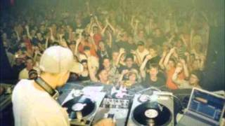 "A live jungle/DnB set performed by Dj Craze @ ""Sanctuary"" in 2002. ..."