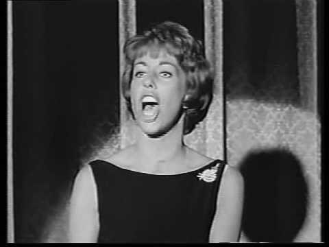 "Carol Burnett sings ""Sweet Georgia Brown"""