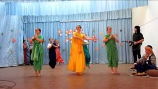 """Индийский танец. 11""""Б"""".День учителя"""
