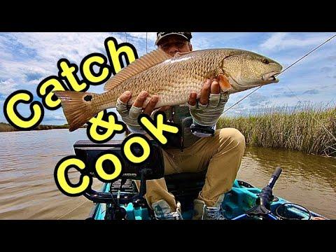 Powerful Redfish Pulling Like Alligator Gar! Great Tasting Food!!! Texas Marsh Fishing