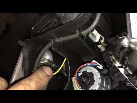 BMW e90 2007 335i Ballast Replacement DIY