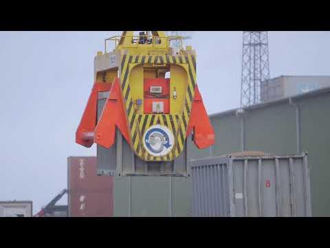 Rīgas ostā ieviesta jauna, inovatīva beramkravu pārkraušanas tehnoloģija