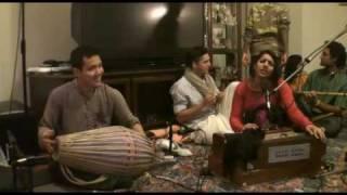 Bhajan - Gopi Gita dasi - Hare Krishna
