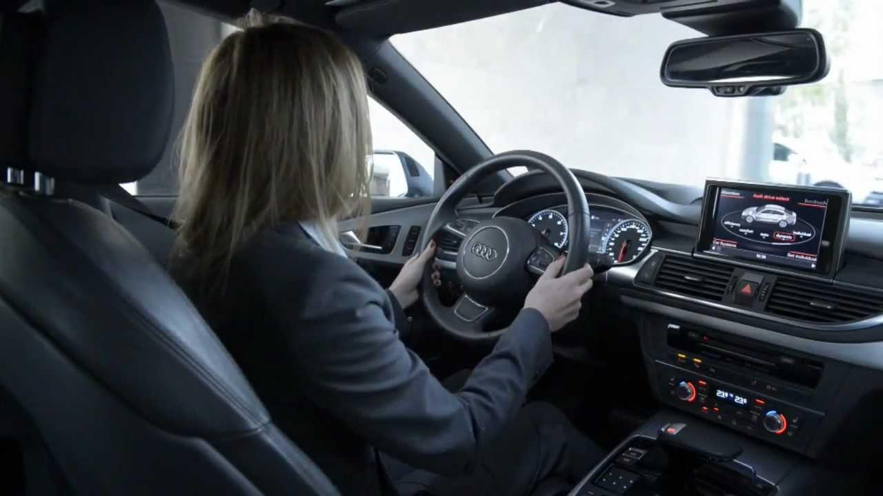 Audi piloted driving for garage parking youtube for Garage audi 93