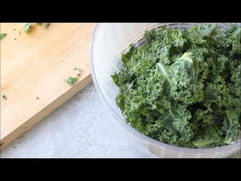 How to Wash and Store Kale (for smoothies and salads)
