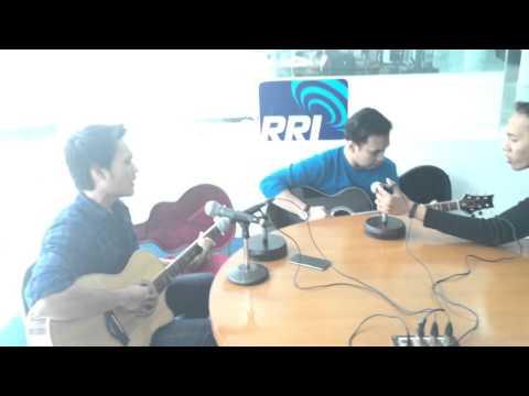 .@RVNBAND_ID - Kisah Yang Sempurna (LIve Acoustic)