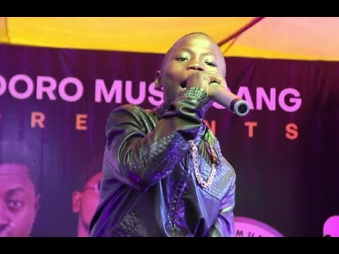 Little Rapper! See The Next Olamide (YBNL BOSS) In The Making   Too  Talented At Doro Concert