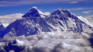 شاهد : تحرك قمة جبل إيفرست أعلى قمة جبلية فى العالم
