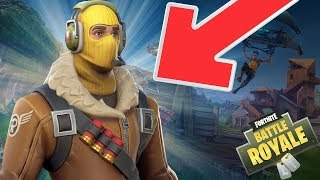 (FORTNITE GLITCH) HOW TO HAVE THE RAPTOR SKIN FOR FREE